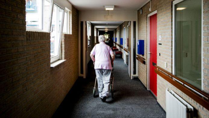 Het probleem, veroorzaakt door overvolle verpleeghuizen, speelt bij alle Haagse ziekenhuizen.
