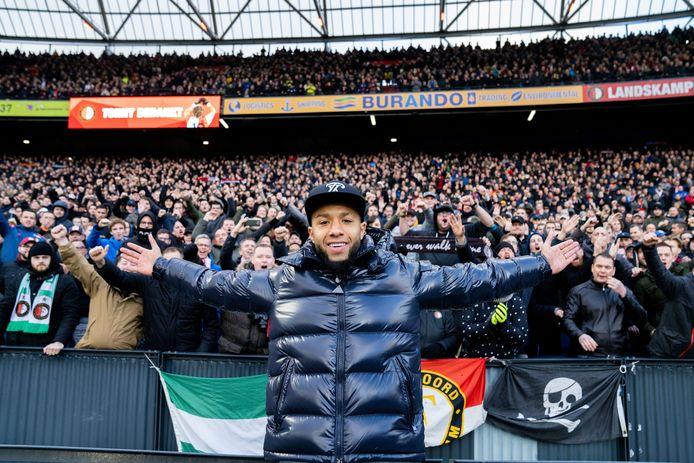 Tonny Vilhena neemt afscheid van de Feyenoord-supporters