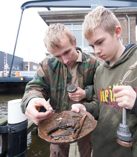 Magneetvissen voortaan taboe in Alphense wateren