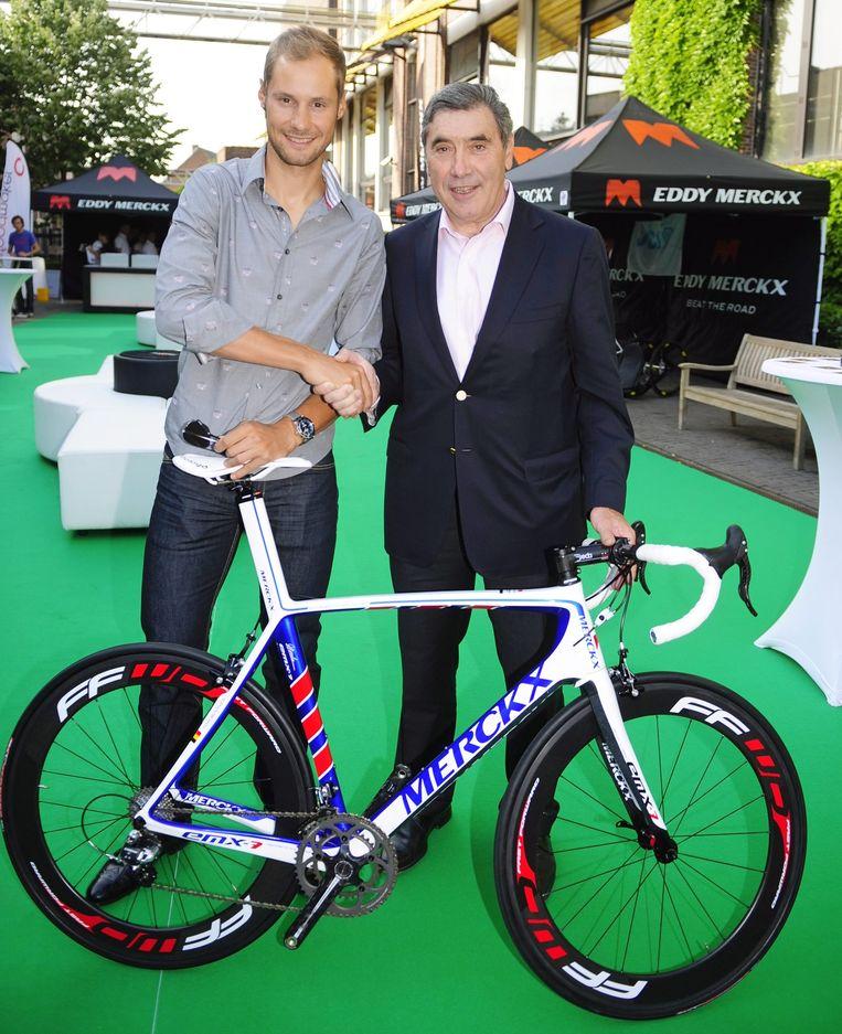 Tom Boonen in 2010 aan de zijde van Eddy Merckx.