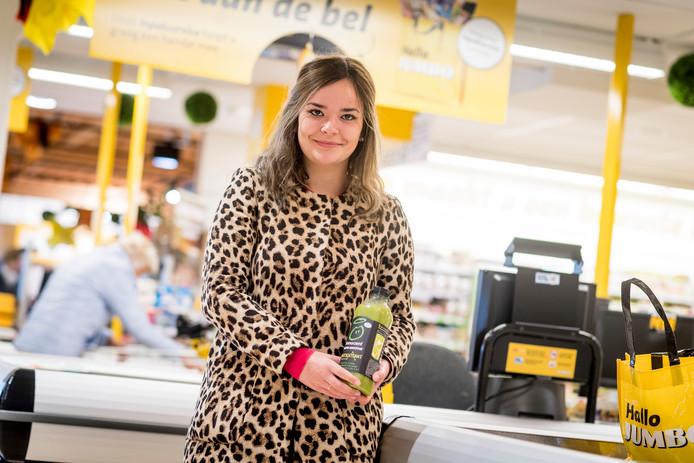 Cheyenne Parijs bij haar werkgever Jumbo Kuipers in Oldenzaal.