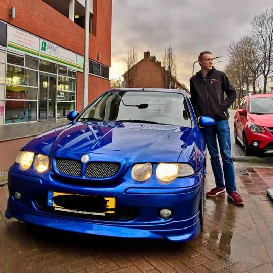 Michael Bouwman en zijn auto in betere tijden.