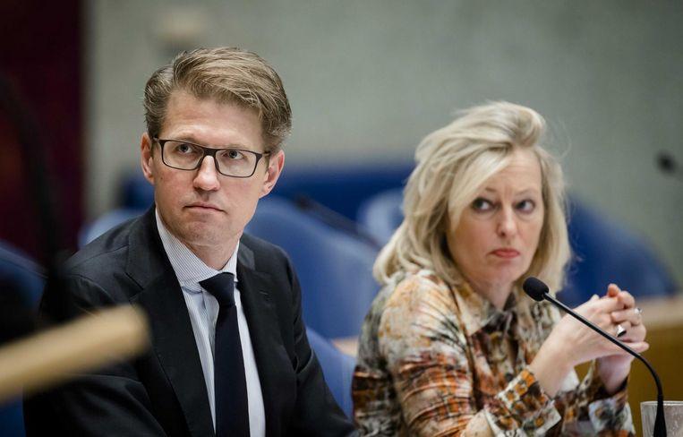 Staatssecretaris Sander Dekker van OC&W en Minister Jet Bussemaker van OC&W tijdens de begroting van Onderwijs, Cultuur en Wetenschap Beeld anp