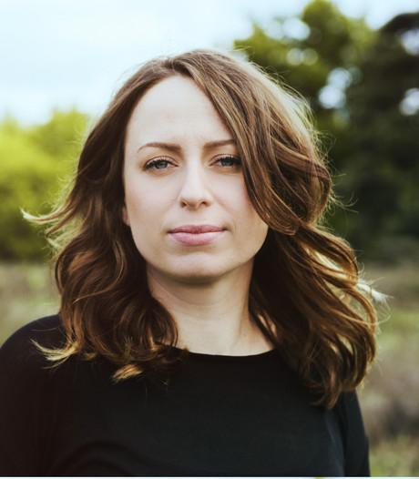 Stephanie Struijk: 'Nederlands geeft me vrijheid bij het schrijven'