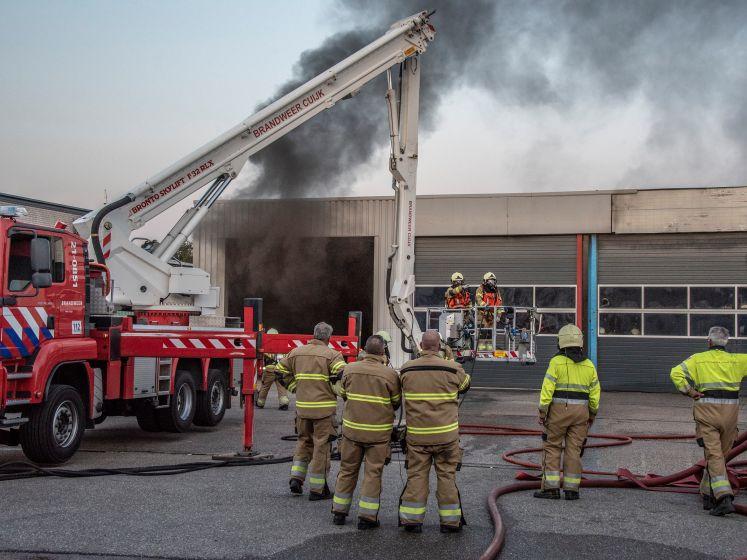 Brandweer rukt groots uit voor brand in Beugen