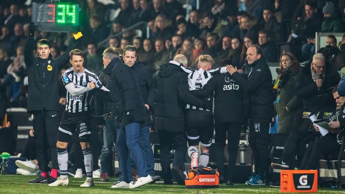 Czyborra viel vorige week tegen ADO Den Haag geblesseerd uit.