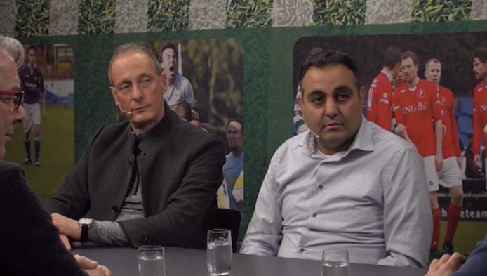 Huseyin Dogan in de uitzending van CTV Voetbal naast Jan Poortvliet.