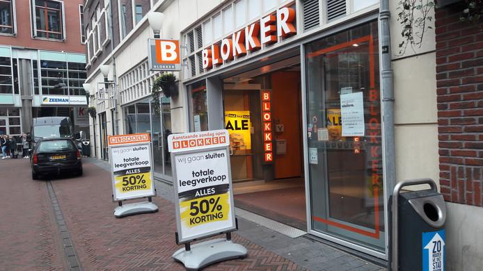 Blokker tijdens de laatste dagen op het Brouwersplein in de Arnhemse binnenstad.
