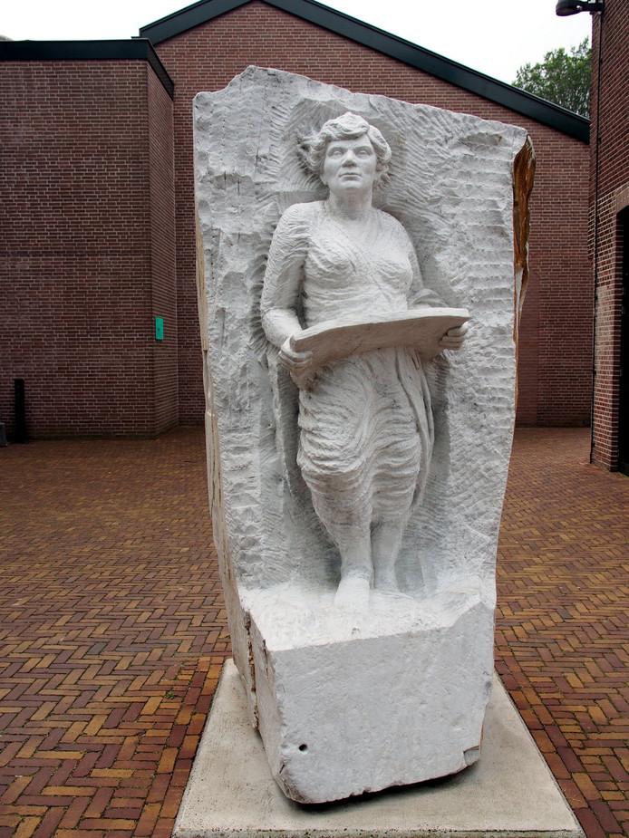 Miet van Puijenbroek, door Margot Homan.