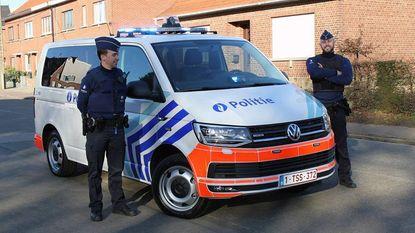 Nieuw interventievoertuig - met opvallende oranje striping - voor politiezone HerKo