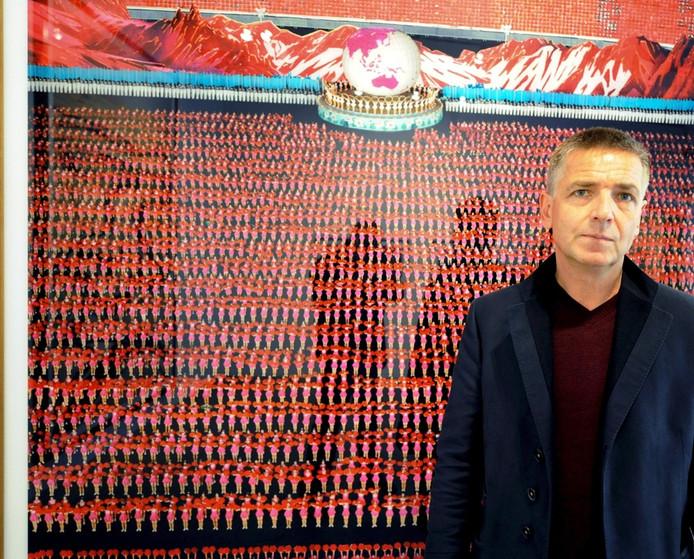 Andreas Gursky voor zijn werk, 'Pyongyang IV' (2007). © ANP