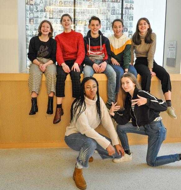 Thomas, Helene, Charlotte, Sien, Kenitra, Marie en Elisa van de Berkenboom.