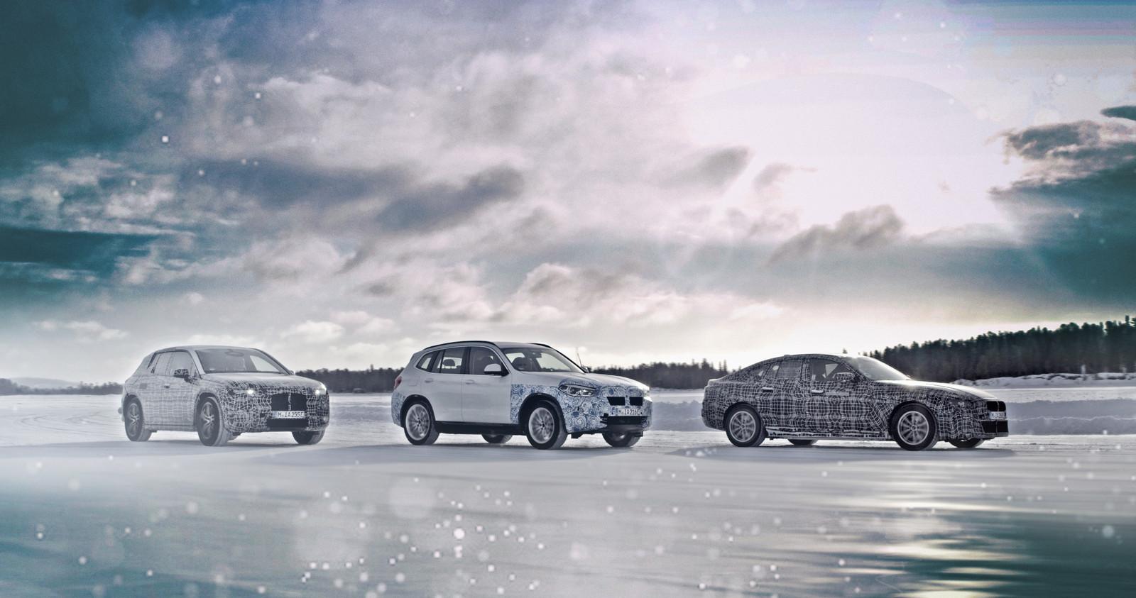 Van links naar rechts: de elektrische BMW i-Next, iX3 en i4 worden klaargestoomd voor hun marktintroductie