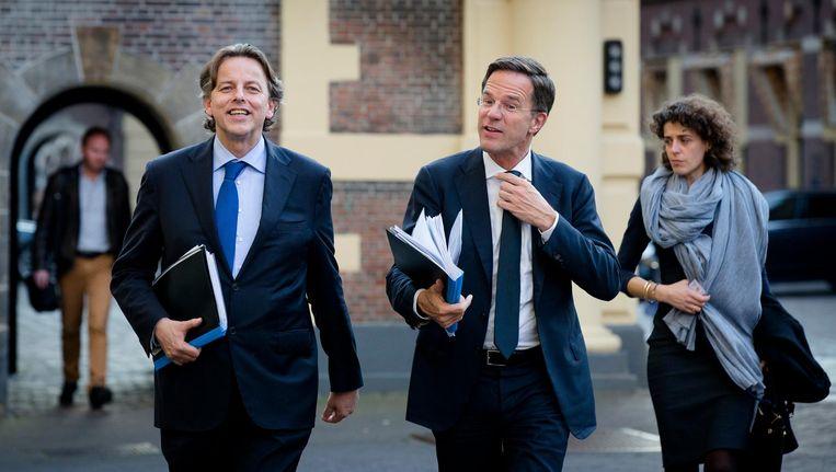Minister Koenders en premier Rutte arriveren bij het Binnenhof voor een overleg over de uitslag van het raadgevend referendum over het associatieverdrag tussen de EU en Oekraïne, 13 april 2016. Beeld anp
