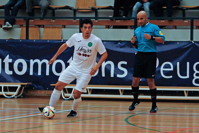 Salim Ben Sellam was zaterdagavond met drie doelpunten goed op dreef, maar kon een nederlaag voor Groene Ster niet voorkomen.
