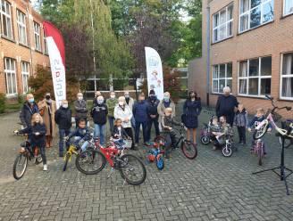 """Fietsbieb opent de deuren in voormalige school: """"Voor 20 euro kan je kind een heel jaar met de fiets op stap"""""""
