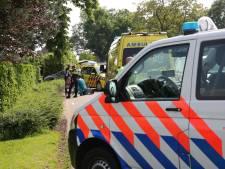 Fietsend ouder stel raakt gewond in Roosendaal door in elkaar hakende sturen