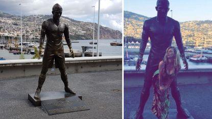Ze zitten met een probleempje op Madeira: standbeeld van Cristiano Ronaldo begint stilaan de gevolgen te dragen van het bezoek van vrouwelijke fans