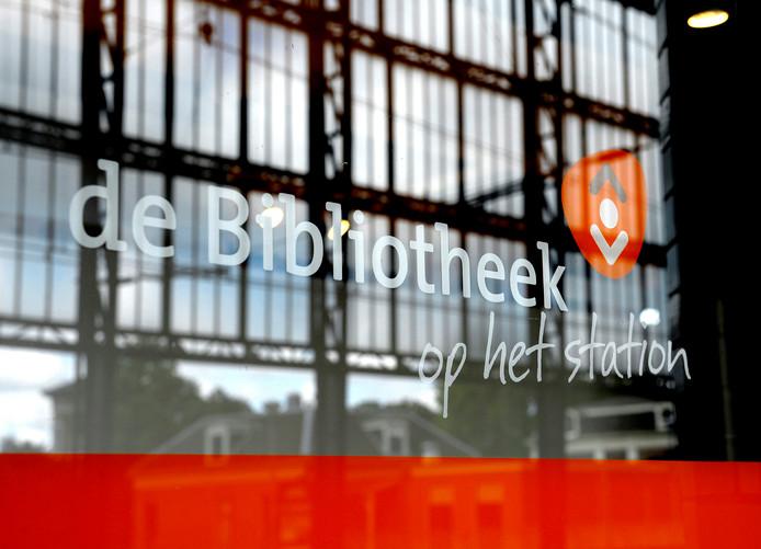 Op station Haarlem is al een bibliotheek.