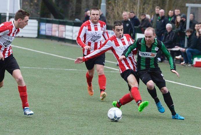 Beeld uit een eerdere wedstrijd van Arnhemse Boys (Rood wit). Archieffoto.