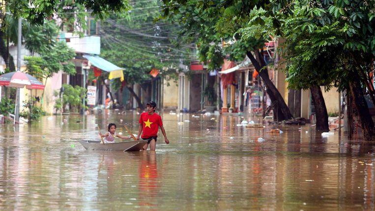 Tyfoon Talas heeft in juli aan veertien mensen het leven gekost. Straten stonden volledig blank en meer dan 2.000 woningen waren vernield.