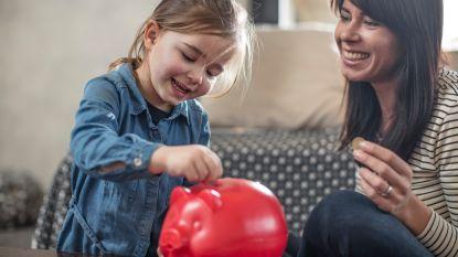 8 op de 10 Belgen sparen voor hun kinderen, maar wel liefst traditioneel: (voorzichtig) duwtje in de rug