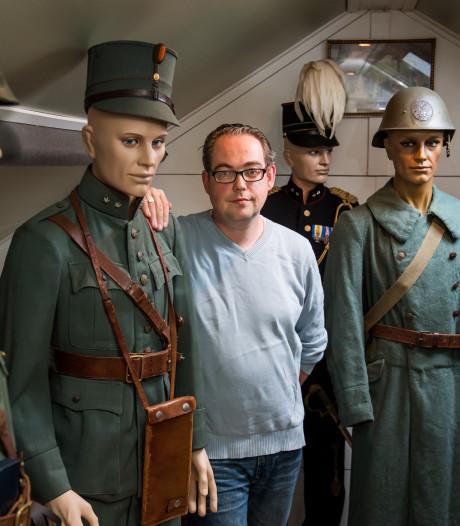 Tijdelijk museum voor militaire uniformen van Bert-Jan Dierink uit Diepenheim