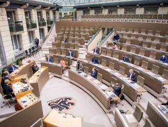 Tweede coronagolf duwt Vlaams begrotingstekort nog dieper in het rood