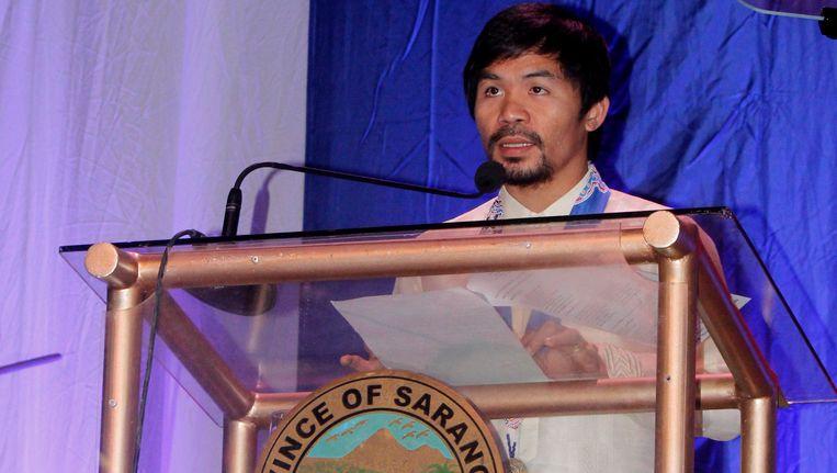 Manny Pacquiao spreek zijn heoor toe tijdens een politieke bijeenkomst in Alabel, in het zuiden van de Filipijnen.