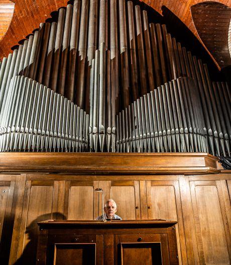 Op open dag in Theaterkerk is  Verschuerenorgel in Bemmel weer te horen