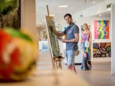 Kunstenaars exposeren op Kunstbrug van Oldenzaalse Woonboulevard