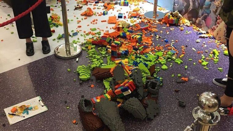 Het ingestorte legokunstwerk. Beeld Weibo