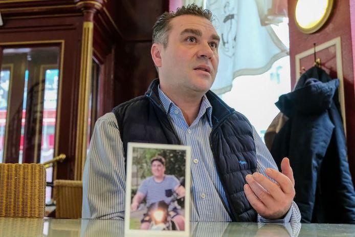 Thierry Pauwaert, père de Raphaël, Bruxellois de 18 ans décédé d'une pneumonie