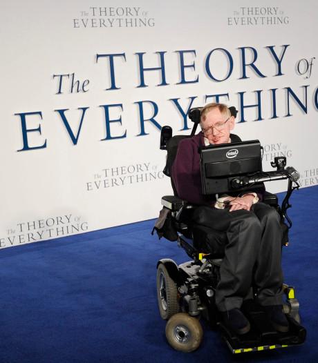 Geweldig! Job in de oude rolstoel van de briljante Stephen Hawking