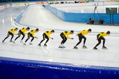 mislukte-trainingskampen-stoelendansen-en-snelle--alles-over-seizoensopening-in-het-schaatsen