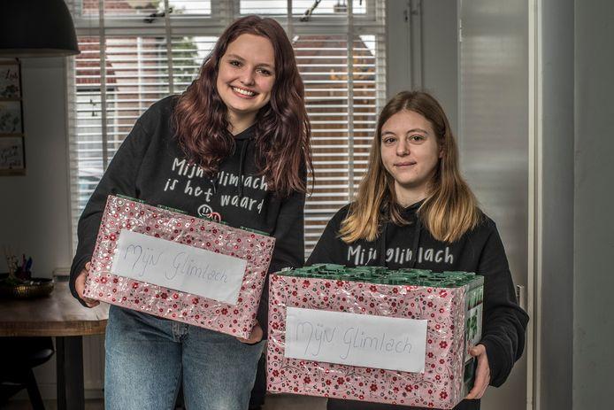 Shania Nevels (links) en haar steun en toeverlaat Nadia gaan zaterdag actievoeren voor de jeugd-GGZ.