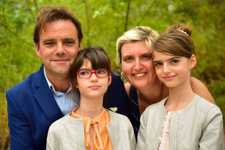 Gino en Heidi met hun kinderen Elise en Eline.