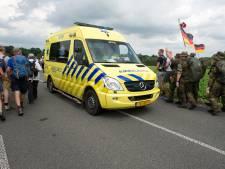 Ambulances rukken uit voor Vierdaagselopers; drie lopers naar ziekenhuis