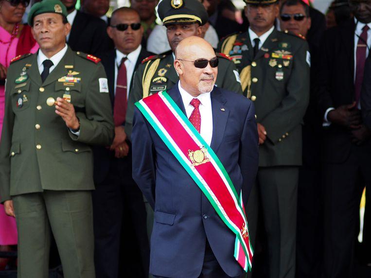 Bouterse bij een militaire parade in 2015, vlak nadat hij is beëdigd voor zijn tweede termijn als president van Suriname. Beeld AP