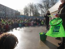 Duizenden Arnhemmers prikken een vorkje zwerfafval mee