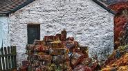 """Toerismebureau blundert: """"Kom naar Schotland"""", bij foto van berghuis van beruchte pedofiel"""