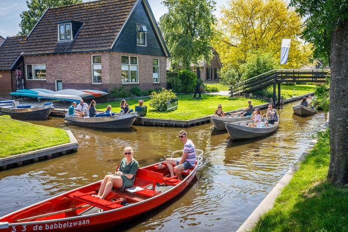 Hoewel de toeristen de weg naar Giethoorn wel weer gevonden hebben, bleef het op Hemelvaartsdag relatief rustig.