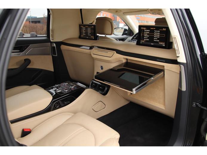 Het interieur van de Audi A8.