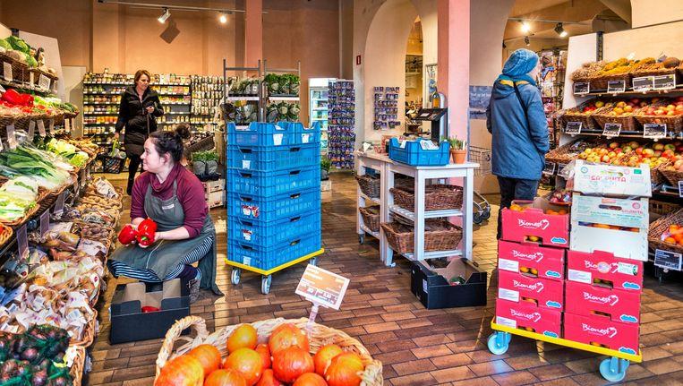 De Estafette-supermarkt van Odin in Zutphen. Beeld Raymond Rutting / de Volkskrant