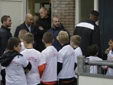 Wesley Sneijder ziet voetballers Smitshoek verliezen