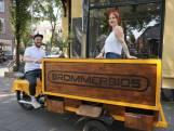 Deze zomer tuft de Brommerbios door Tilburg: 'Overal film kijken'