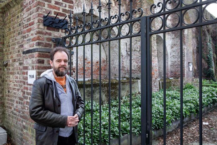 Peter Preuveneers op de plaats waar het pesthuisje stond.