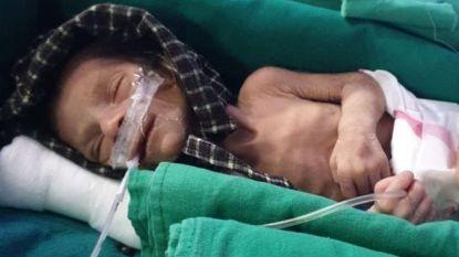 Gruwelijk toeval: vader vindt levend begraven baby tijdens uitvaart eigen dochtertje