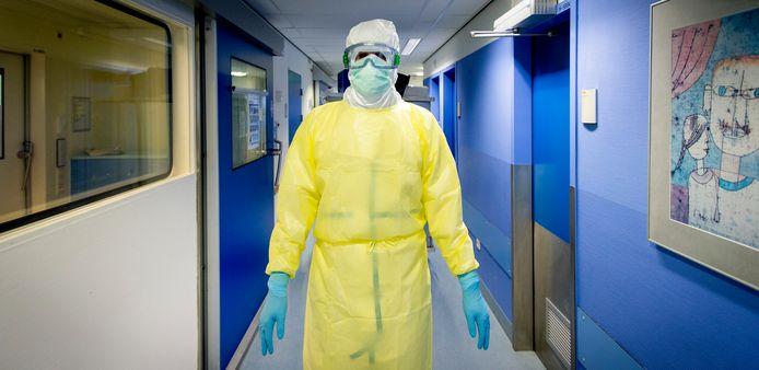 Een foto van jaren geleden toen het Erasmus MC zich voorbereidde op de opvang van ebola-patienten.