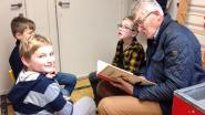 Opa's en oma's lezen voor in Taborschool Aalter-Brug